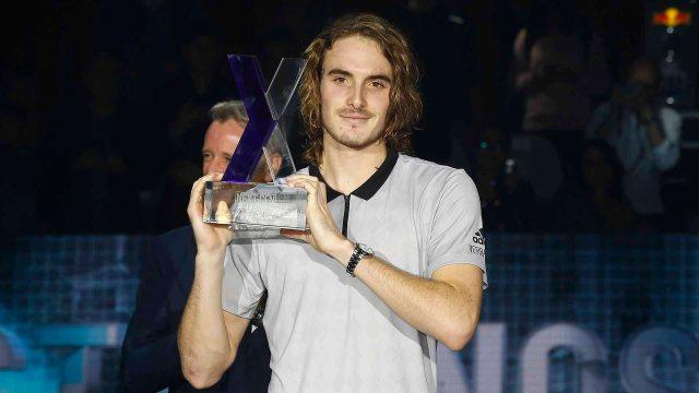 01-tsitsipas-milan-2018-trophy