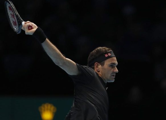 20191110_Djokovic-wins-Federer-loses-at-ATP-Finals-800x579